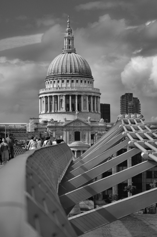 St Paul's Cathedral from The Millennium Bridge:Black and White Photo-41