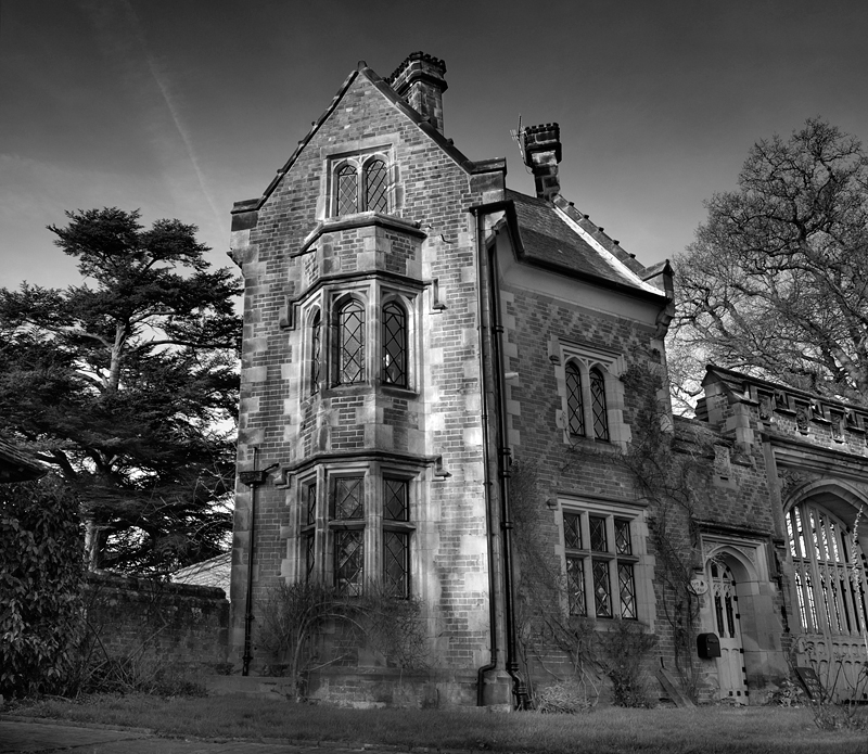 Old English House:Black and White Photo-206