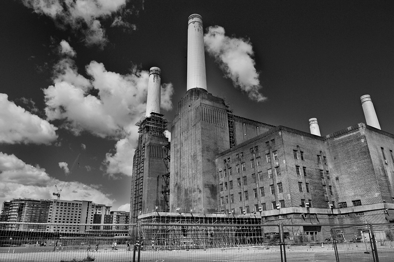Development plan for the Battersea Power Station:Black and White Photo-298