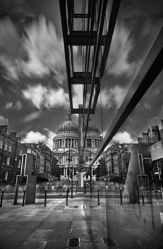 St Paul's Cathedral London:Black and White Photo-431