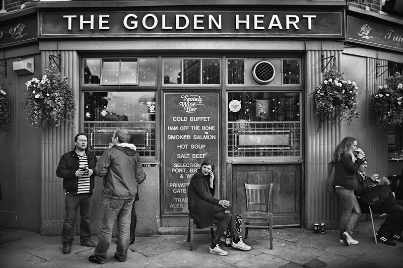 The Golden Heart, Pub in London:Black and White Photo-520