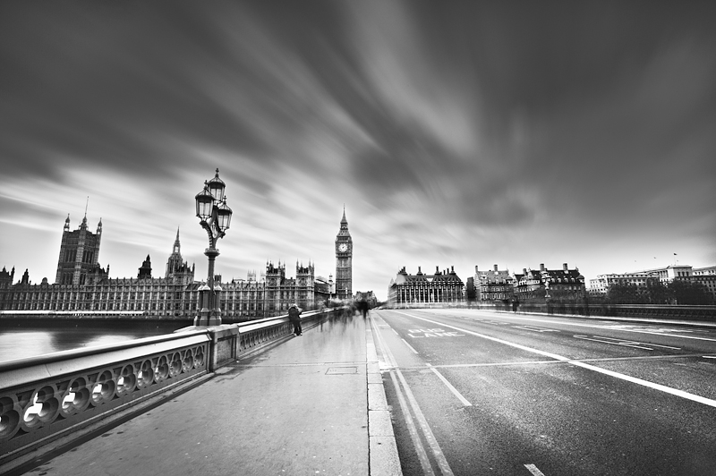 London in mono:Black and White Photo-544
